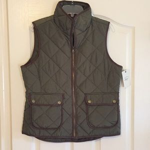 Bass Vest NWT